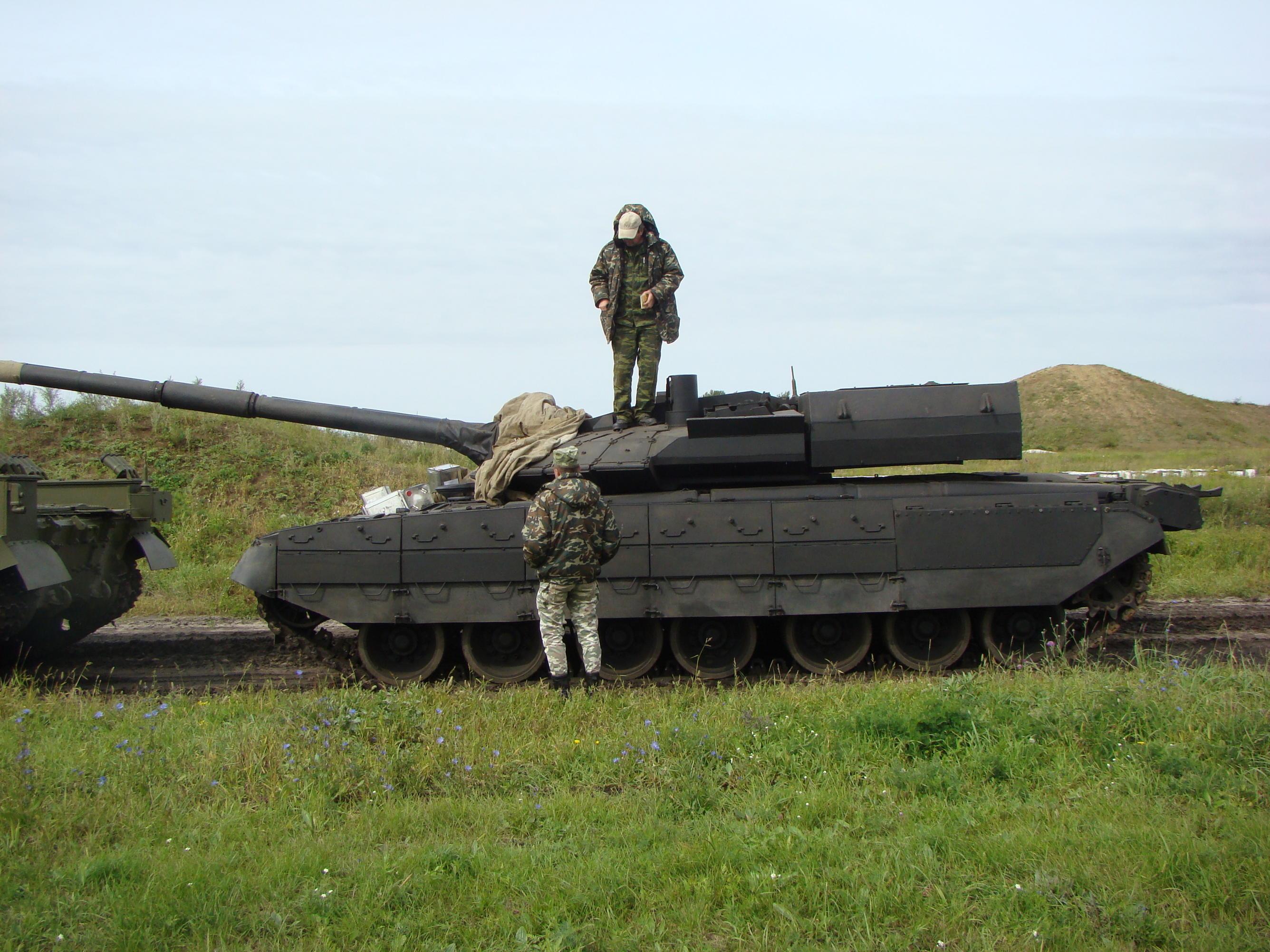 Carroarmato T-80UM2 Black Eagle