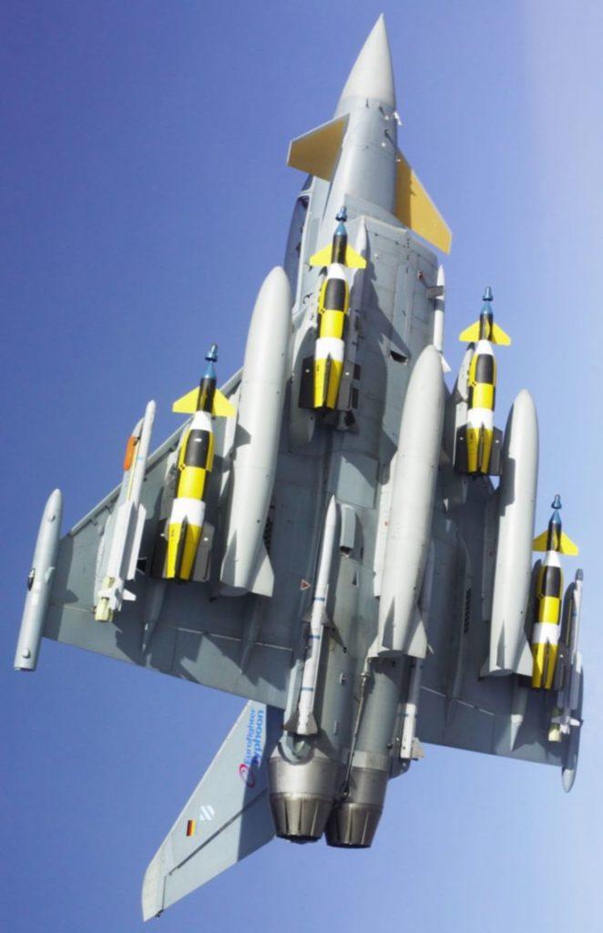 eurofighter typhoon armado armed equiped 3 fuel tanks serbatoi supplementari
