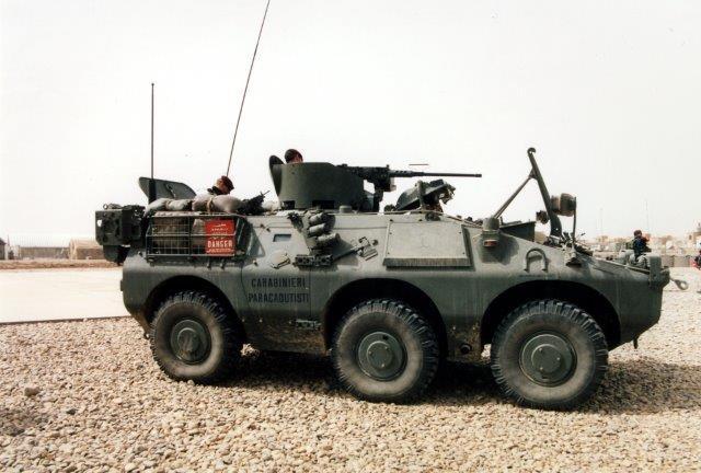 Puma con mitragliatrice e corazzatura aggiuntiva per il mitragliere. Si può notare anche un kit di corazza aggiuntiva posizionato