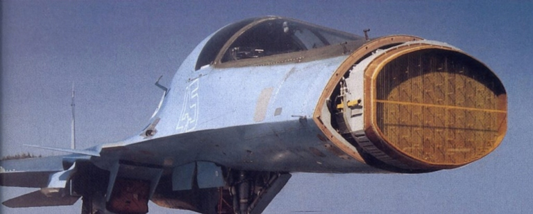 Radar PESA B-004 del Su-32.