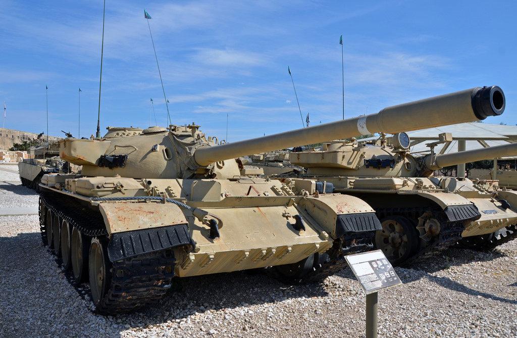 Tiran 4 (T-54).