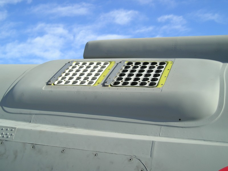 marina militare portaerei cavour av-8b harrier plus flare chaff