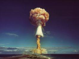 nuclear bomb explosion esplosione arma nucleare