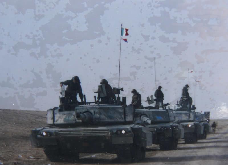 locandine esercito italiano con c1 ariete iraq 2001